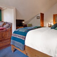 Lodge Room #3 has a reading nook that is also great for small families